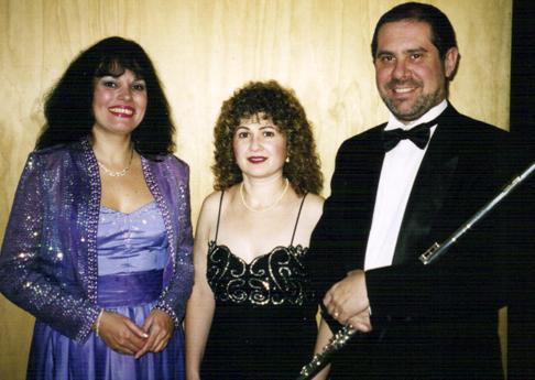 Adriana Alba, Diana Lopszyc y Saúl Martín